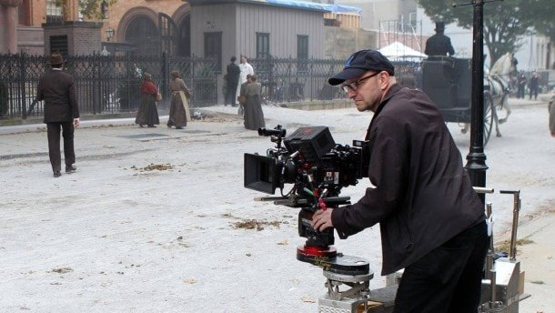 Steven Soderbergh shooting and directing 'The Knick'.